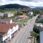 ...~ Blick auf Wutha mit Regelschule, Rehberg und B7 (Ruhlaer Straße) ~...